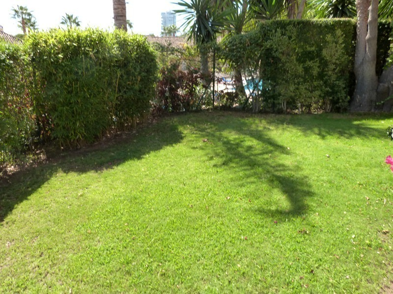 Townhouse for sale in a golf area of Marbella 4