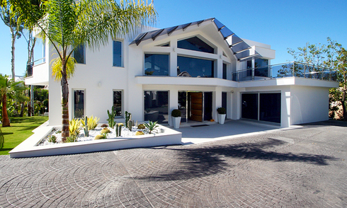 Modern contemporary villa for sale in Nueva Andalucia, Marbella