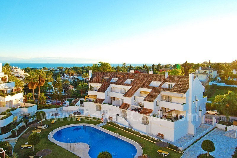 Bargain penthouse apartment for sale in Nueva Andalucia, Marbella