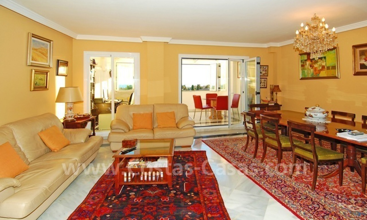 Bargain penthouse apartment for sale in Nueva Andalucia, Marbella 2