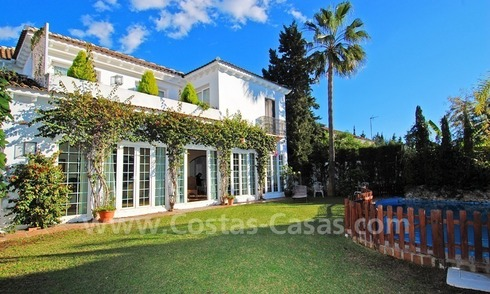 Beachside luxury villa for sale in the Golden Mile – Marbella centre