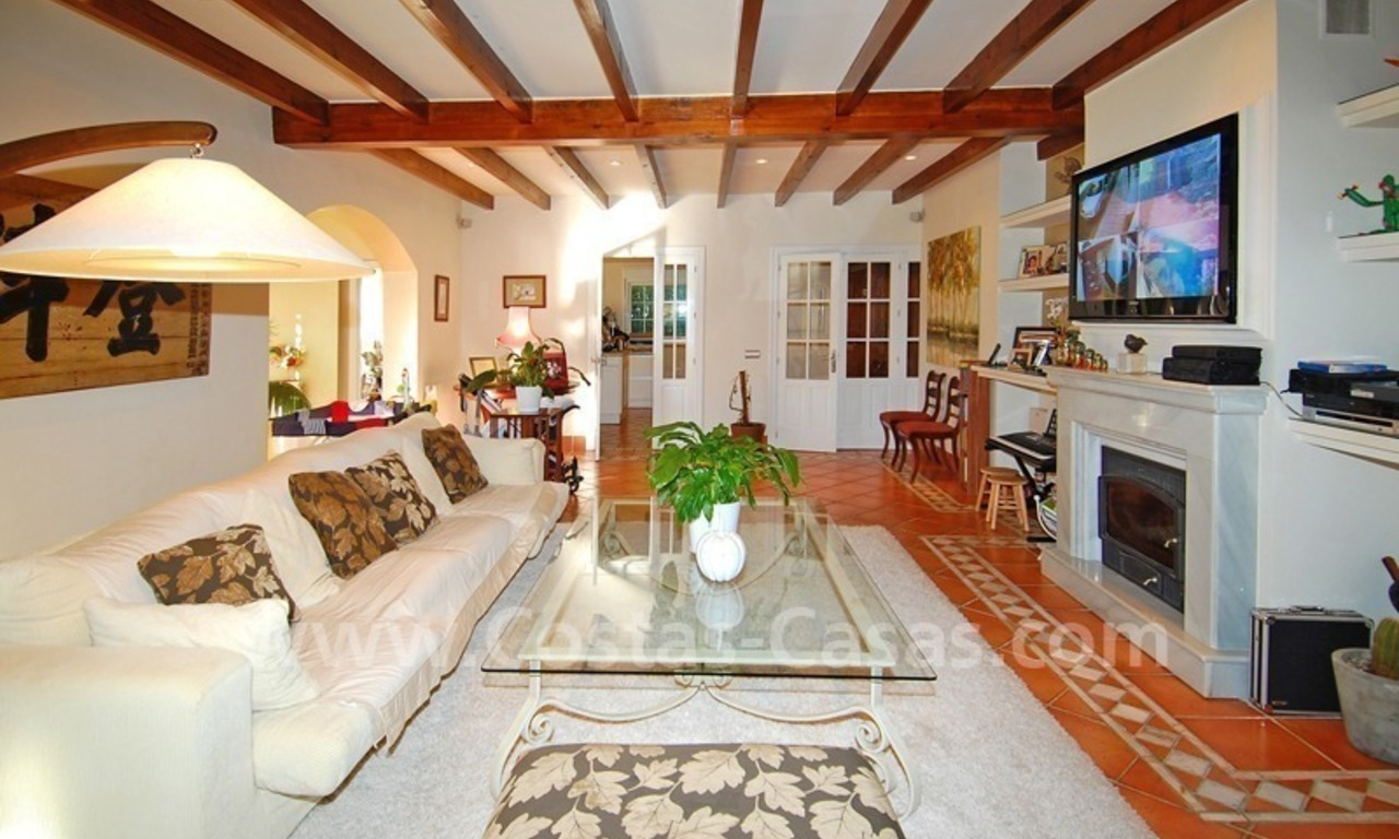 Beachside luxury villa for sale in the Golden Mile – Marbella centre 8
