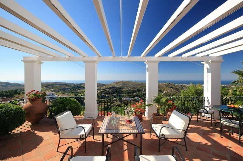 Exclusive villa for sale in a golf resort, Marbella - Benahavis