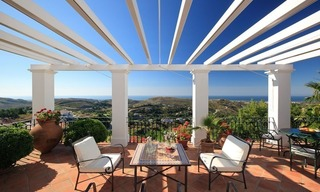 Exclusive villa for sale in a golf resort, Marbella - Benahavis 0