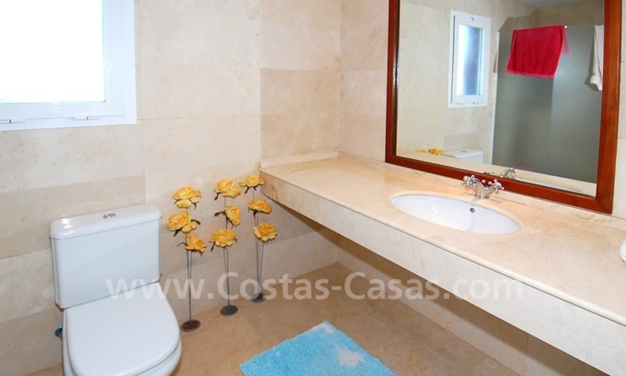 Beachside penthouse for sale in Marbella 13