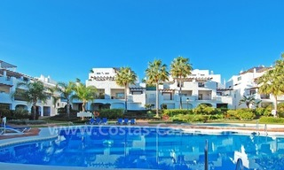 Beachside penthouse for sale in Marbella 14
