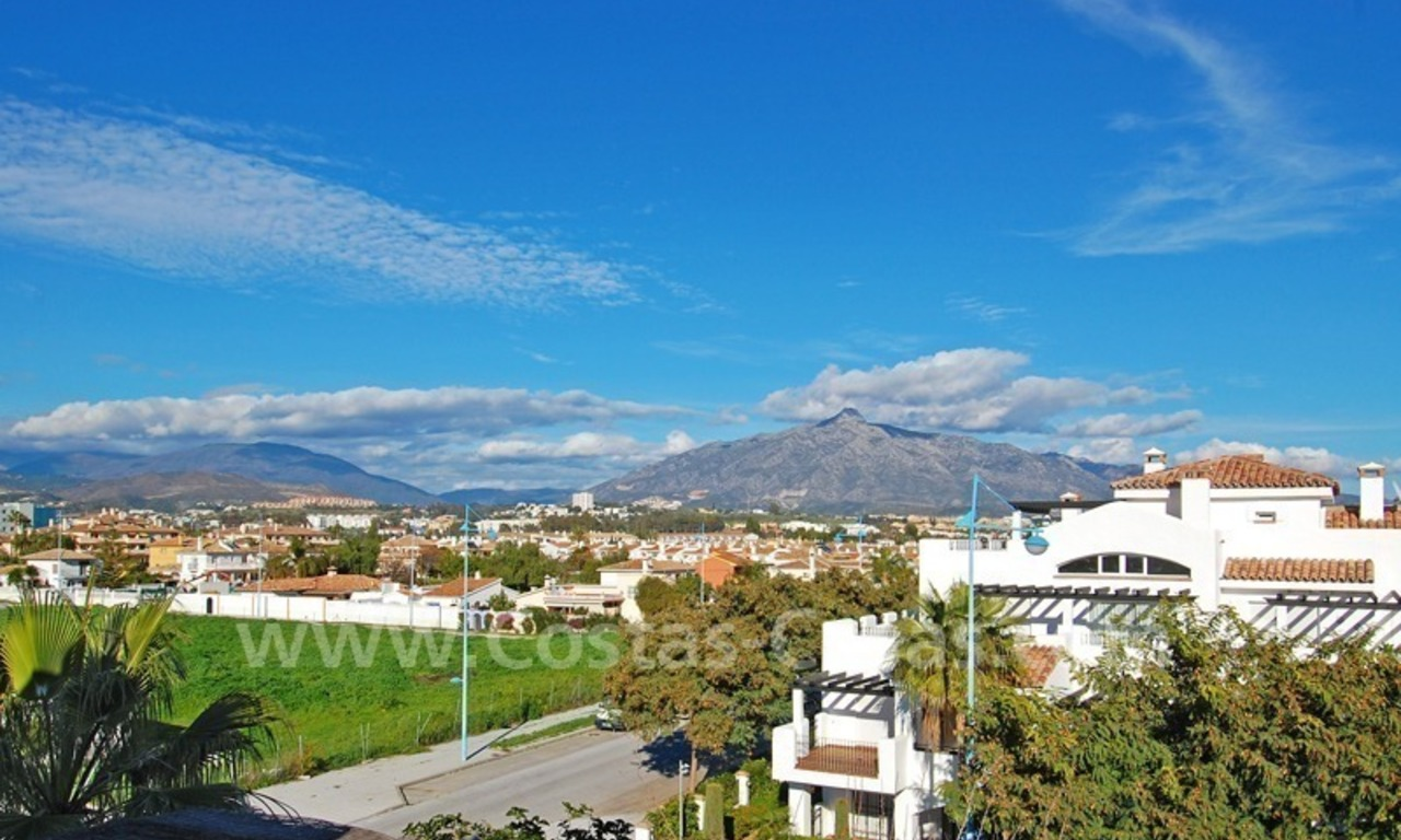 Beachside penthouse for sale in Marbella 5