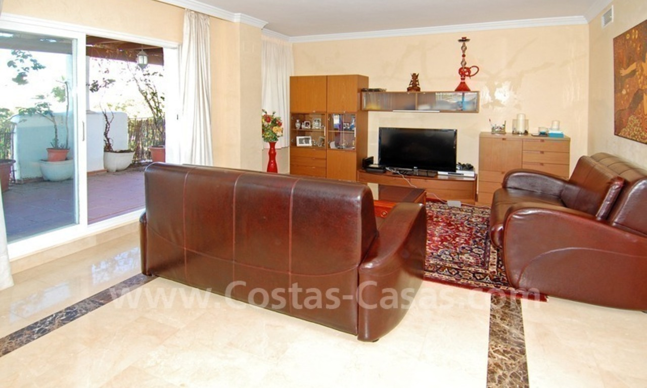 Beachside penthouse for sale in Marbella 6