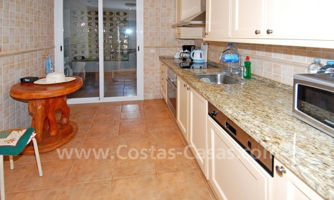 Luxury ground floor apartment for sale beachside in Nueva Andalucia, Puerto Banus - Marbella 5