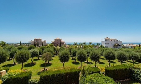 2 Bargain luxury golf apartments for sale, golf resort, Benahavis - Marbella  2