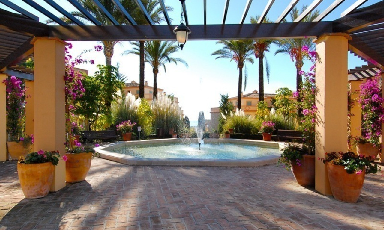 2 Bargain luxury golf apartments for sale, golf resort, Benahavis - Marbella 12