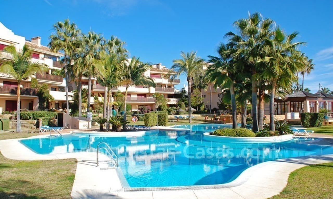 Beachfront luxury apartment for sale at the New Golden Mile between Puerto Banus - Marbella and the centre of Estepona 18