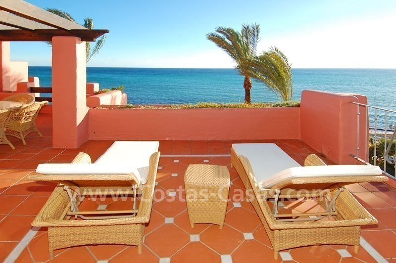 Luxury frontline beach corner penthouse for sale, first line beach complex, New Golden Mile, Marbella - Estepona