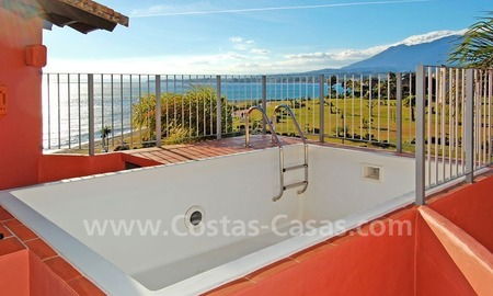 Luxury frontline beach corner penthouse for sale, first line beach complex, New Golden Mile, Marbella - Estepona 24