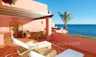 Luxury frontline beach corner penthouse for sale, first line beach complex, New Golden Mile, Marbella - Estepona 1