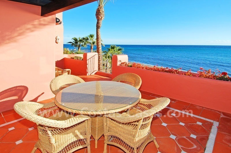 Luxury frontline beach corner penthouse for sale, first line beach complex, New Golden Mile, Marbella - Estepona 9