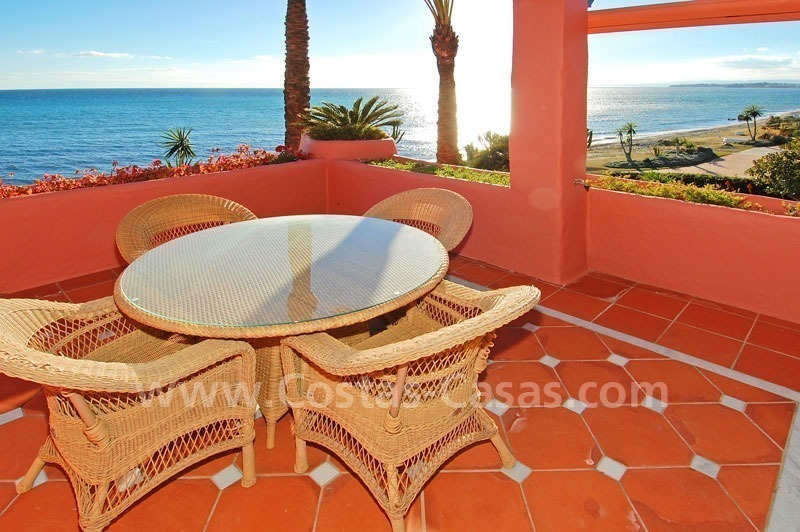 Luxury frontline beach corner penthouse for sale, first line beach complex, New Golden Mile, Marbella - Estepona 10