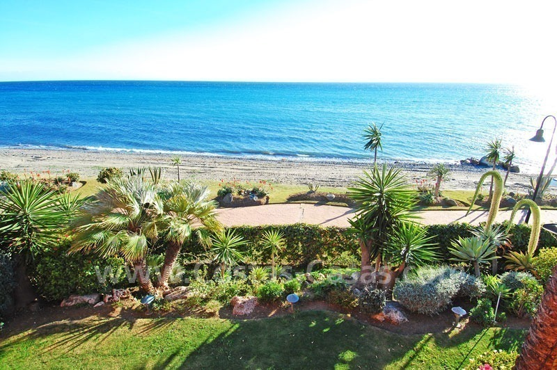 Luxury frontline beach corner penthouse for sale, first line beach complex, New Golden Mile, Marbella - Estepona 12