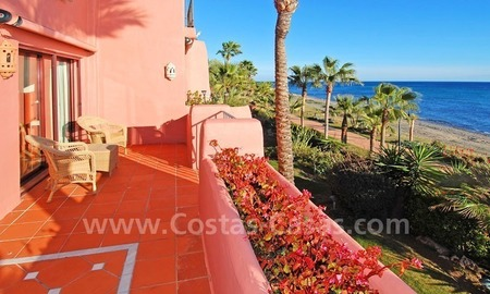 Luxury frontline beach corner penthouse for sale, first line beach complex, New Golden Mile, Marbella - Estepona 13