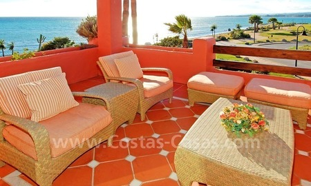 Luxury frontline beach corner penthouse for sale, first line beach complex, New Golden Mile, Marbella - Estepona 15