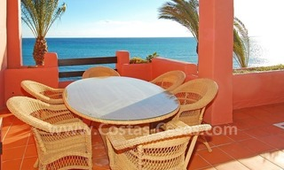 Luxury frontline beach corner penthouse for sale, first line beach complex, New Golden Mile, Marbella - Estepona 3