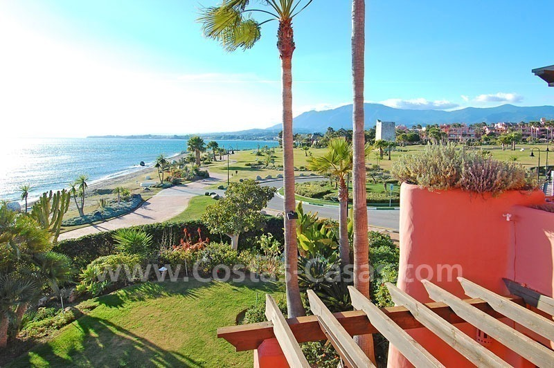Luxury frontline beach corner penthouse for sale, first line beach complex, New Golden Mile, Marbella - Estepona 6