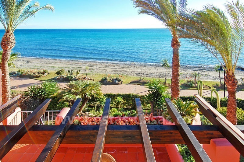 Luxury frontline beach corner penthouse for sale, first line beach complex, New Golden Mile, Marbella - Estepona 7
