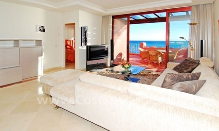 Luxury frontline beach corner penthouse for sale, first line beach complex, New Golden Mile, Marbella - Estepona 18