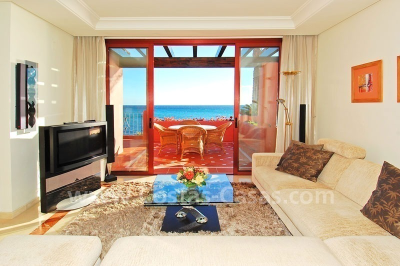 Luxury frontline beach corner penthouse for sale, first line beach complex, New Golden Mile, Marbella - Estepona 19