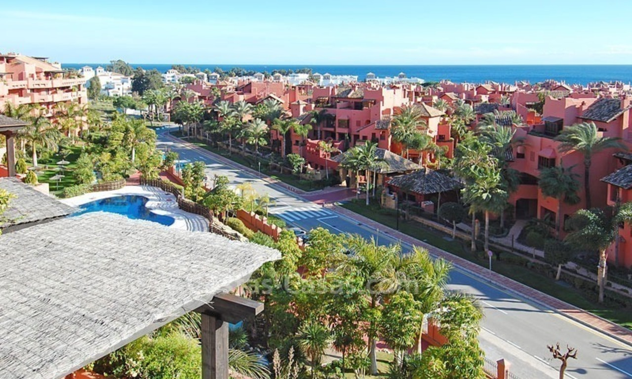 Beachside apartment sfor sale in a second line beach complex on the New Golden Mile, Marbella - Estepona 14