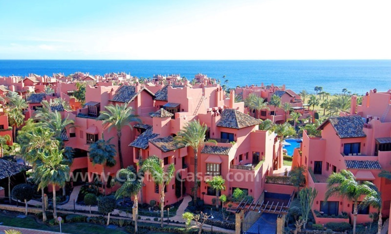 Beachside apartment sfor sale in a second line beach complex on the New Golden Mile, Marbella - Estepona 15