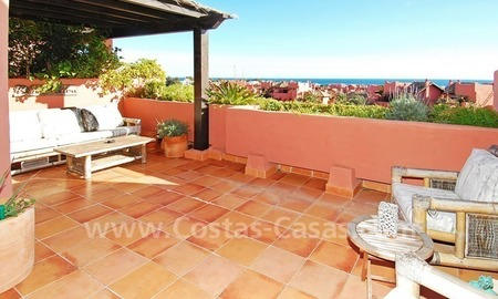 Beachside penthouse apartment for sale in a second line beach complex on the New Golden Mile, Marbella - Estepona 1