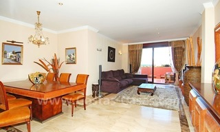 Beachside penthouse apartment for sale in a second line beach complex on the New Golden Mile, Marbella - Estepona 2