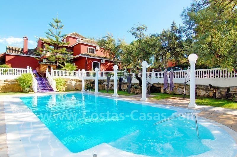 Villa for sale in Marbella with possibility to built a small hotel or B&B