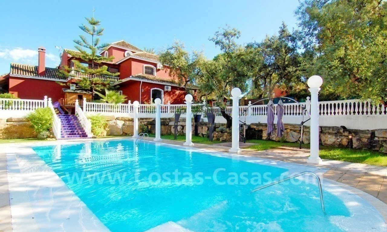 Villa for sale in Marbella with possibility to built a small hotel or B&B 0