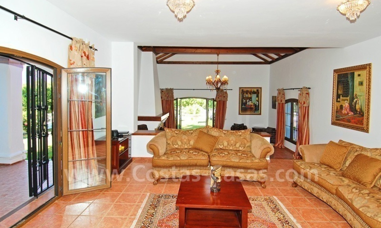Villa for sale in Marbella with possibility to built a small hotel or B&B 11