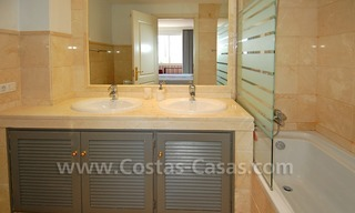 Large luxury elevated ground-floor apartment for sale in Nueva Andalucía – Marbella 25