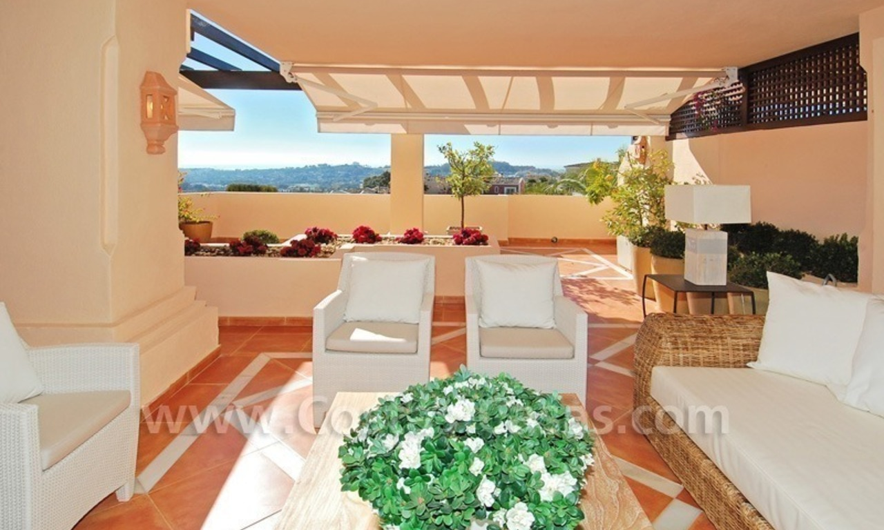 Large luxury elevated ground-floor apartment for sale in Nueva Andalucía – Marbella 1