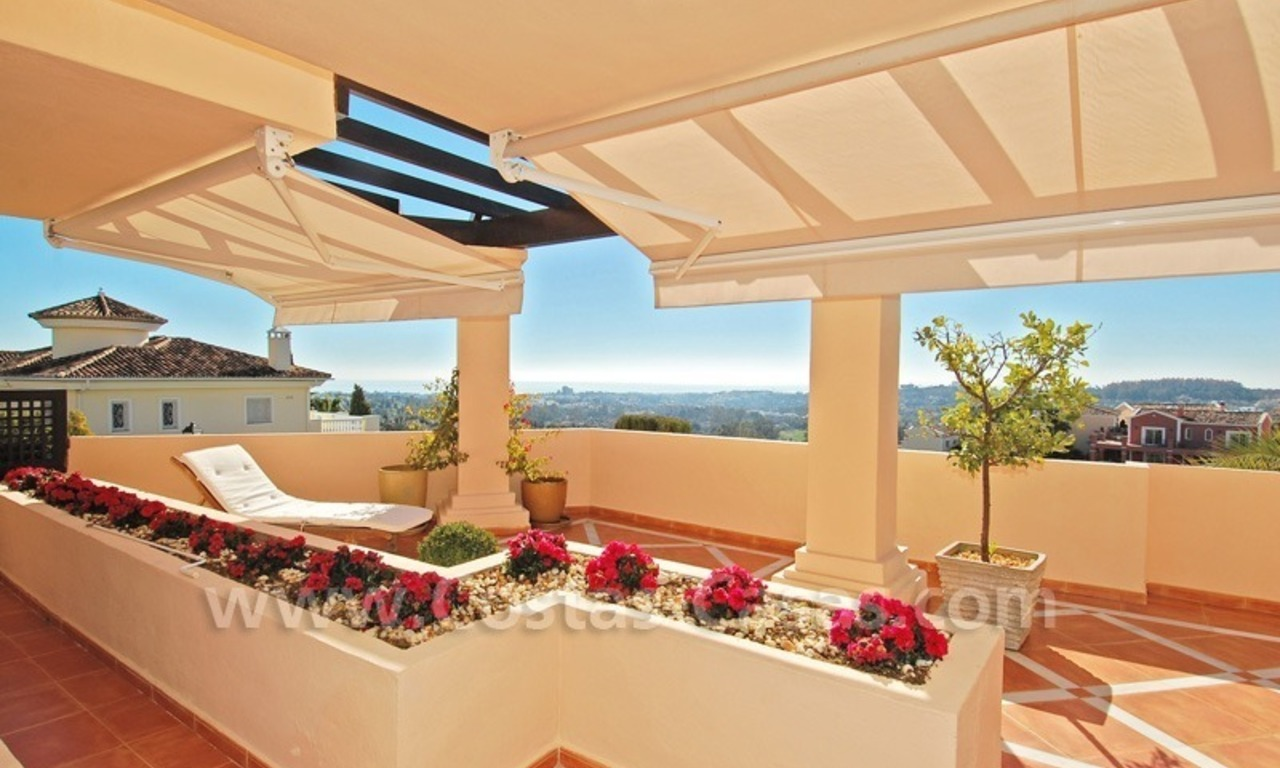 Large luxury elevated ground-floor apartment for sale in Nueva Andalucía – Marbella 4
