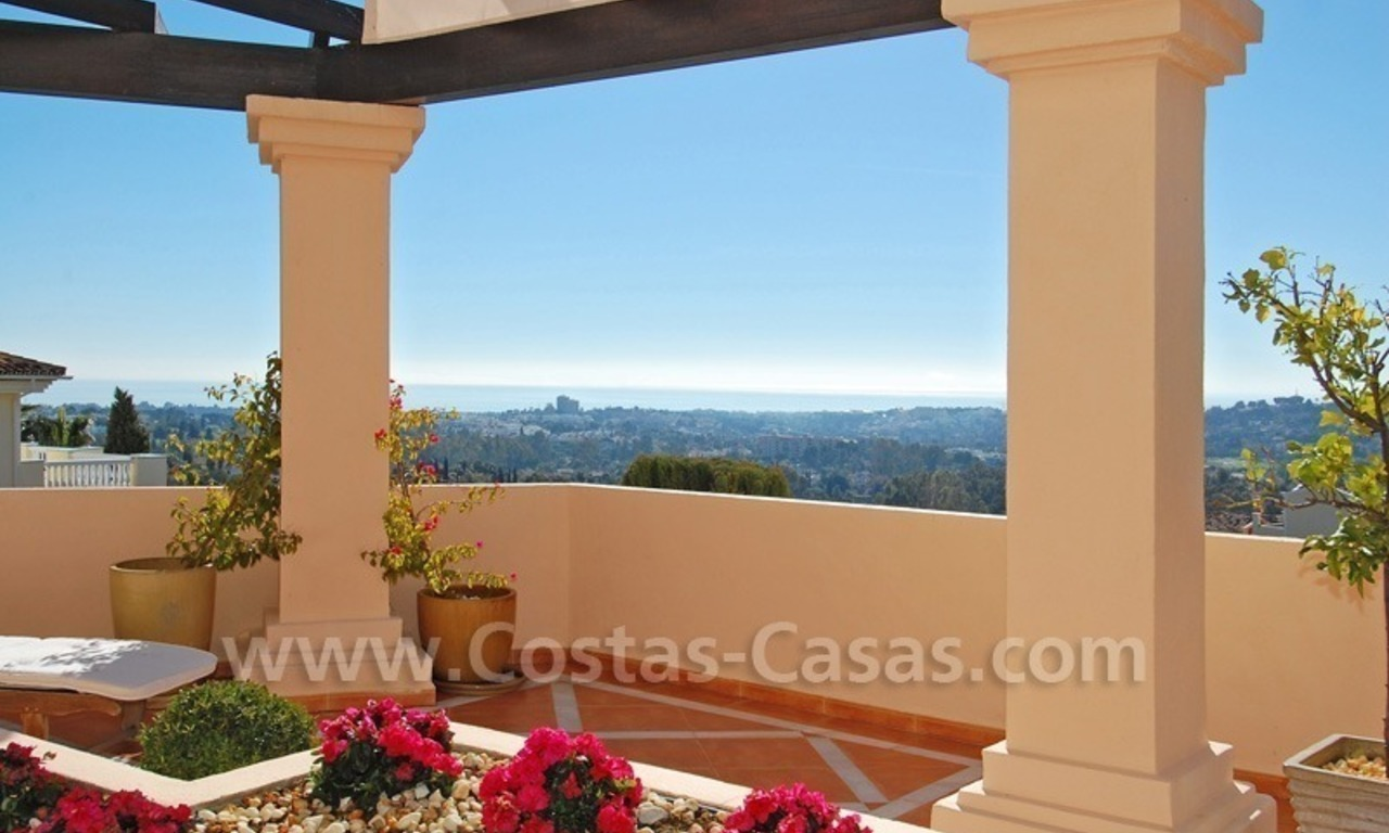 Large luxury elevated ground-floor apartment for sale in Nueva Andalucía – Marbella 5