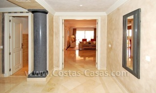 Large luxury elevated ground-floor apartment for sale in Nueva Andalucía – Marbella 8
