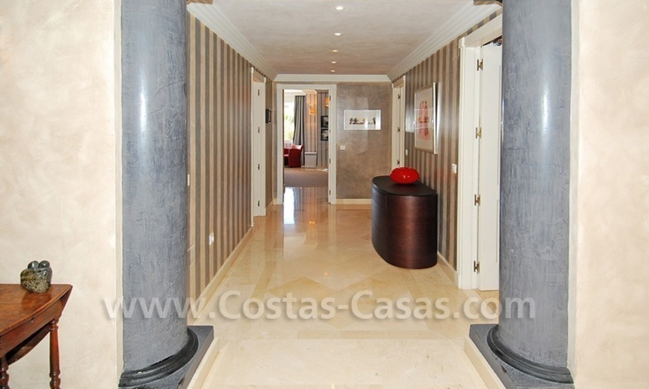 Large luxury elevated ground-floor apartment for sale in Nueva Andalucía – Marbella 9