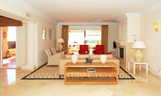 Large luxury elevated ground-floor apartment for sale in Nueva Andalucía – Marbella 10