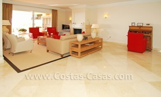 Large luxury elevated ground-floor apartment for sale in Nueva Andalucía – Marbella 11