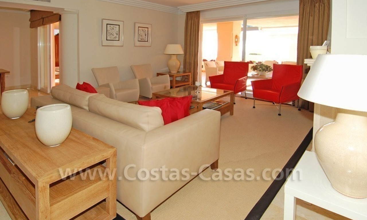 Large luxury elevated ground-floor apartment for sale in Nueva Andalucía – Marbella 13
