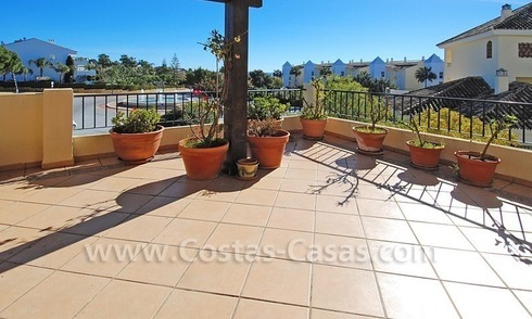 Beachside luxury corner apartment for sale in Marbella