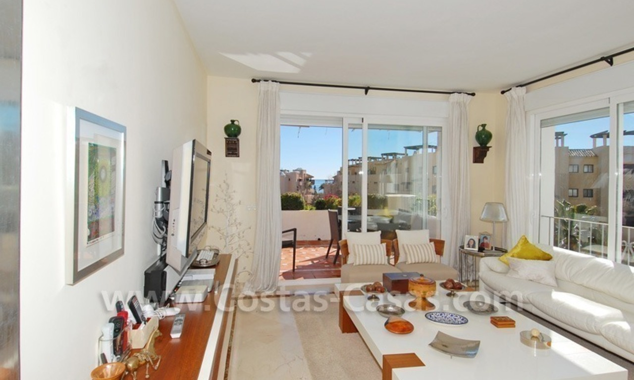 Luxury beachside apartment for sale in a frontline beach complex, New Golden Mile, Marbella - Estepona 2