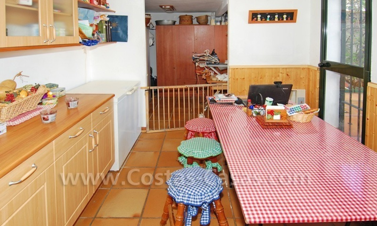 Beachside townhouse close to the beach for sale in Marbella 9