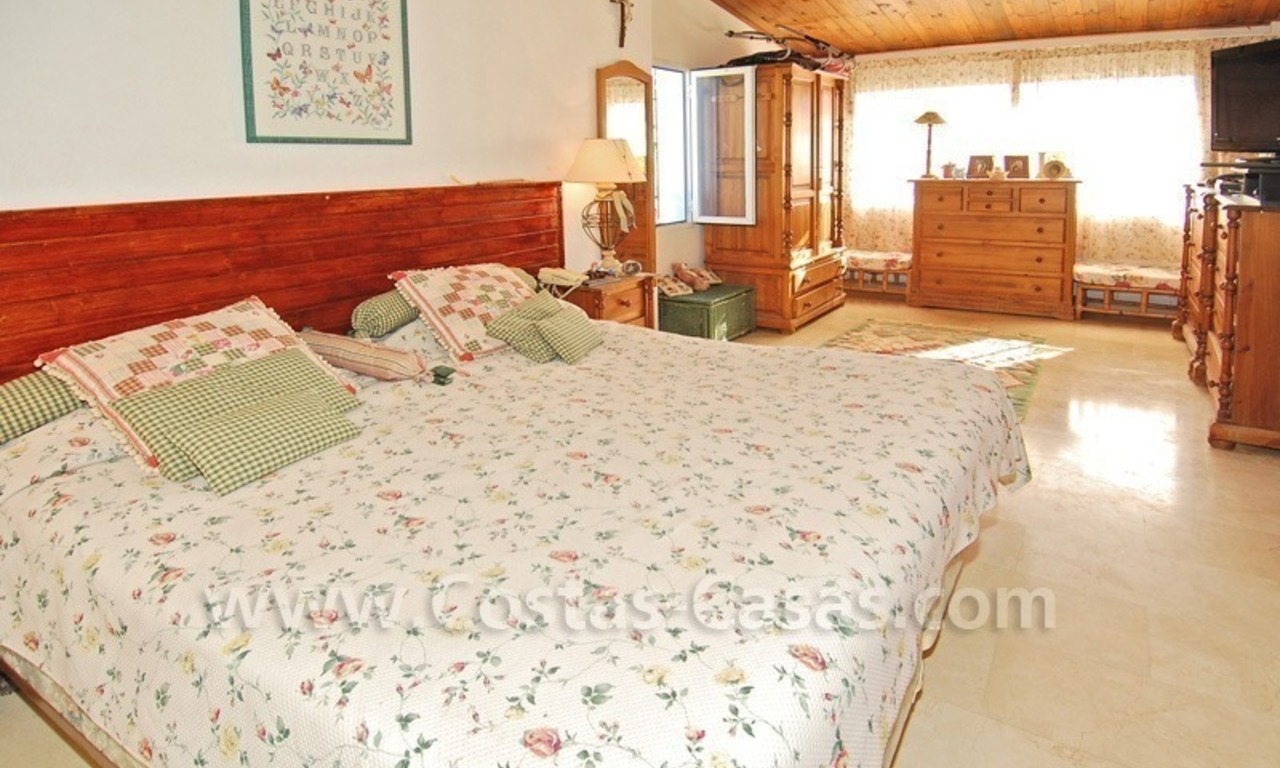 Beachside townhouse close to the beach for sale in Marbella 10