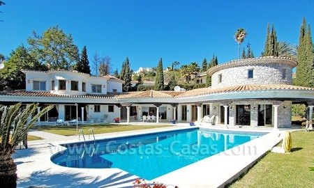 First line golf andalusian styled villa for sale in Estepona – Marbella 0